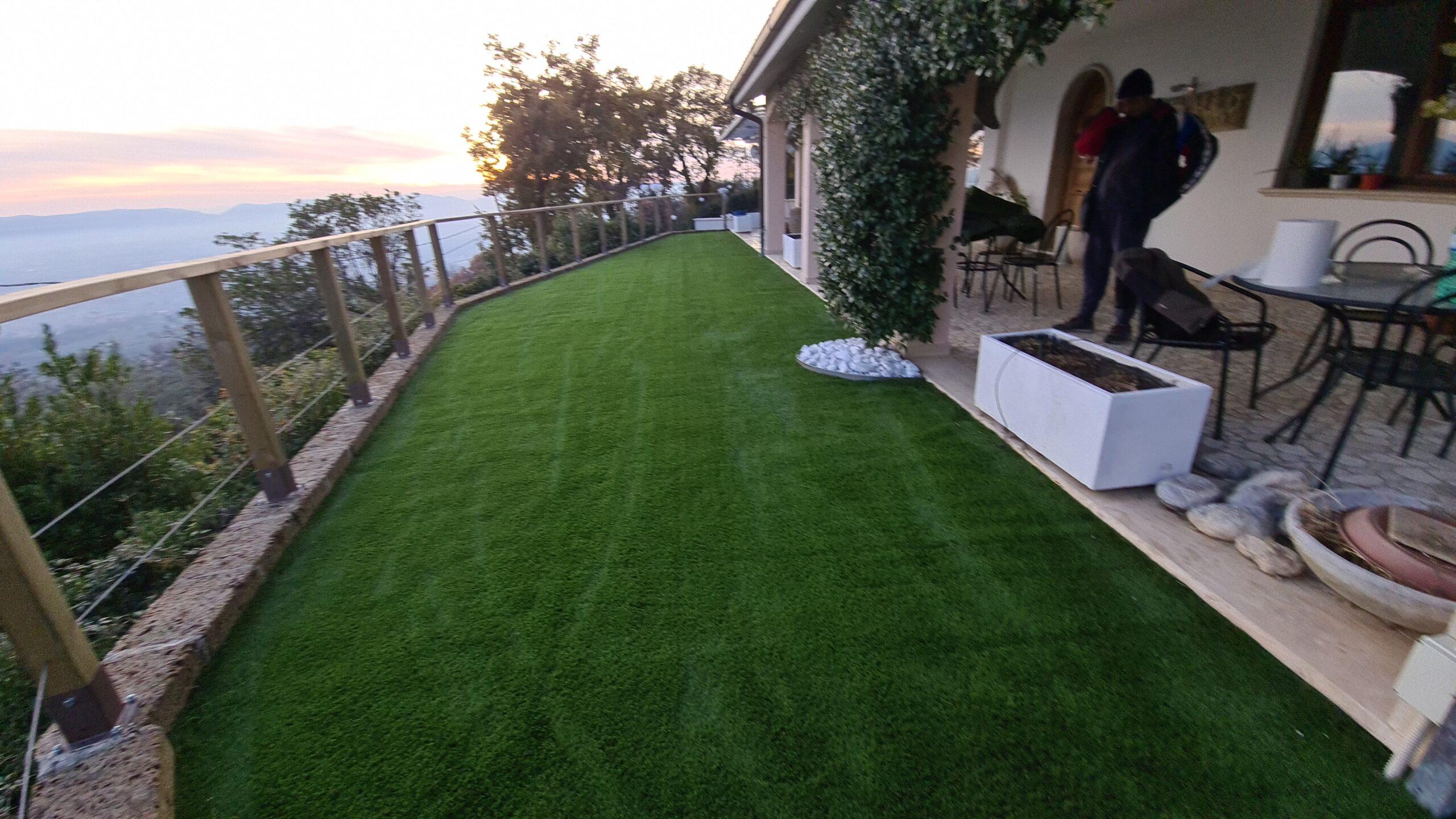 Prato in erba sintetica